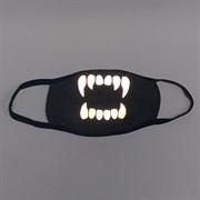 светоотражающая серая маска на лицо, рисунок: светящиеся зубы